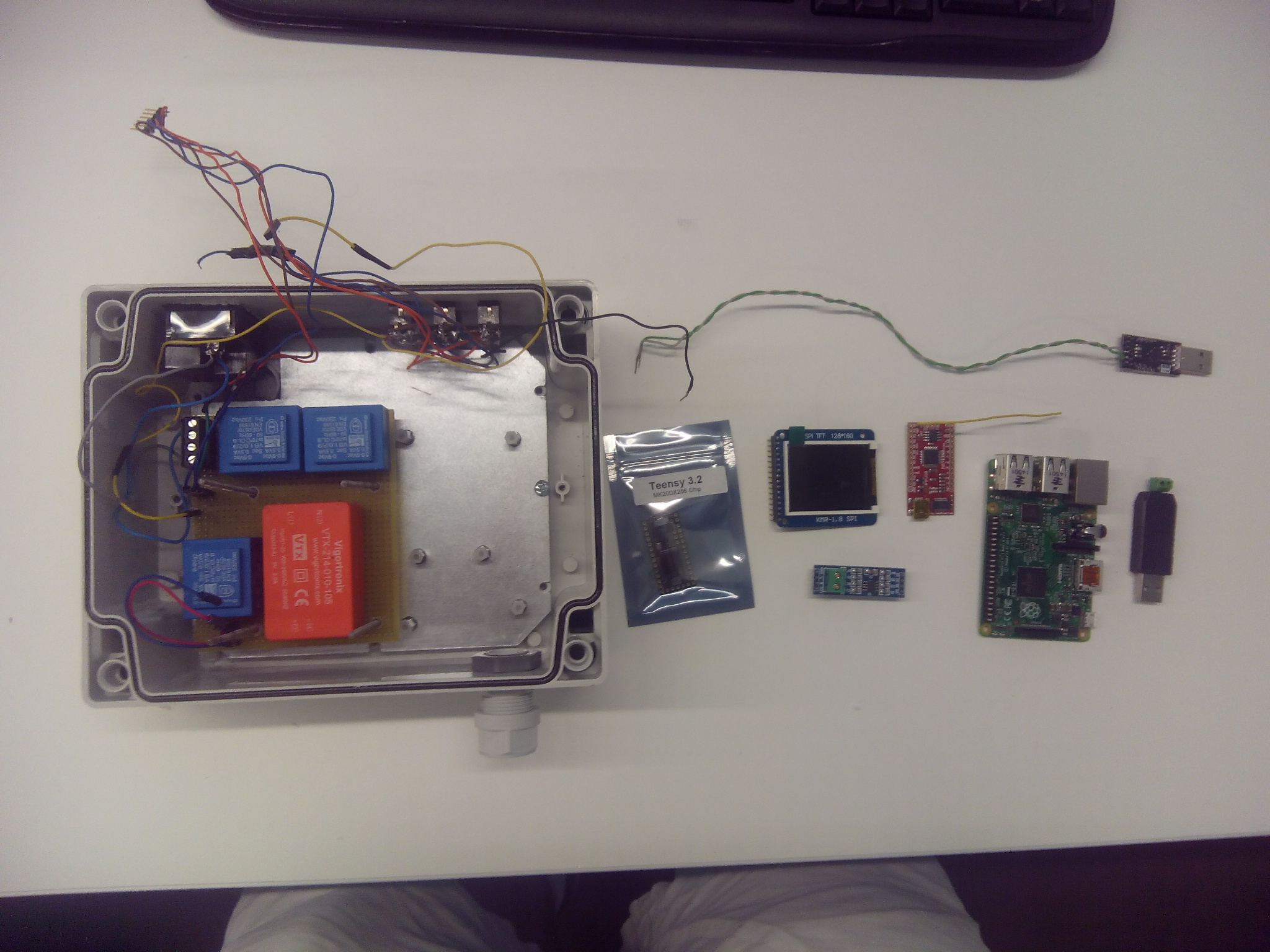 Building a 3 Phase Power Analyzer: THD, FFT, and waveform recording