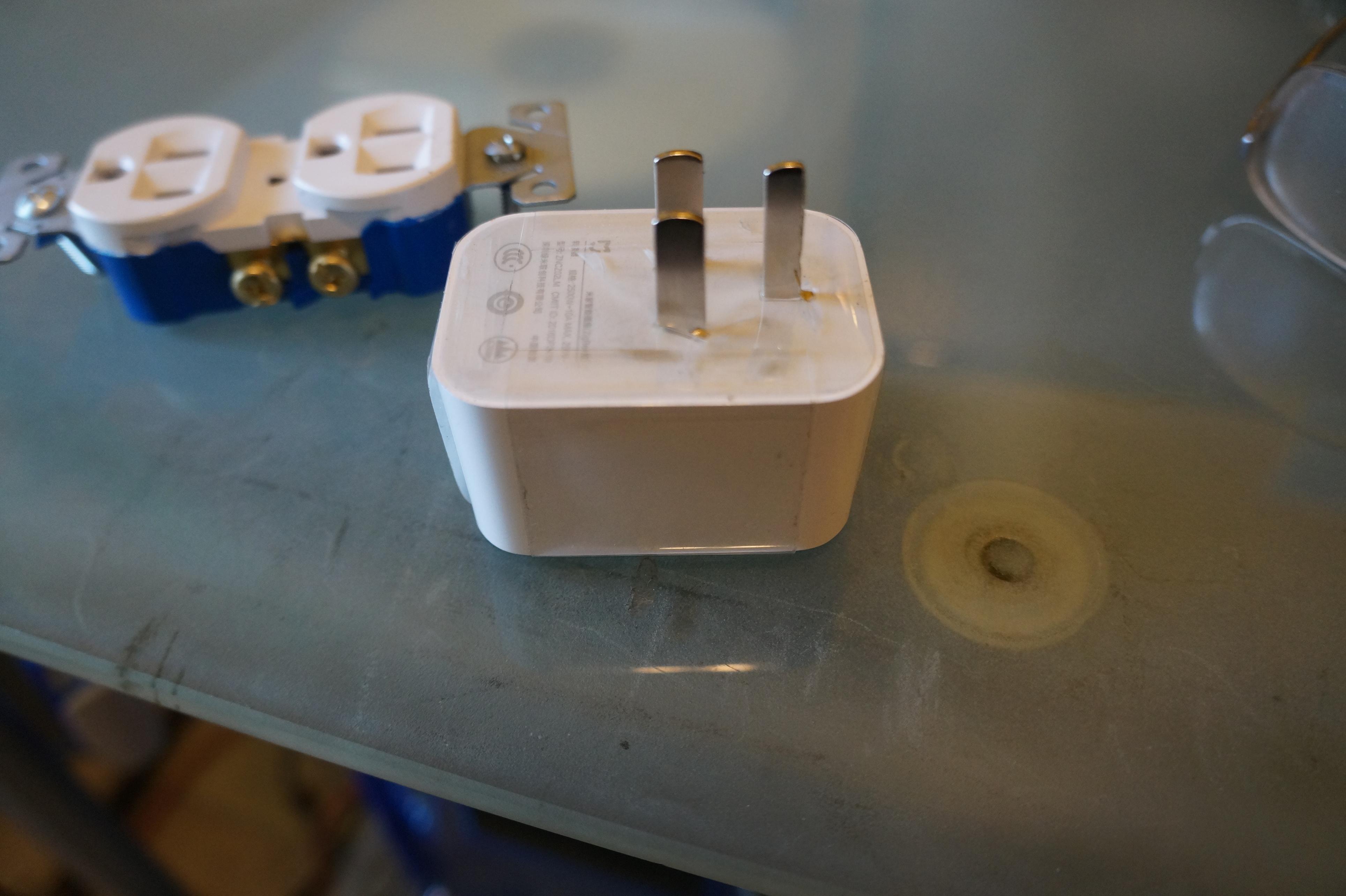 Modifying the xiaomi Zigbee plug for the N A market - Hardware